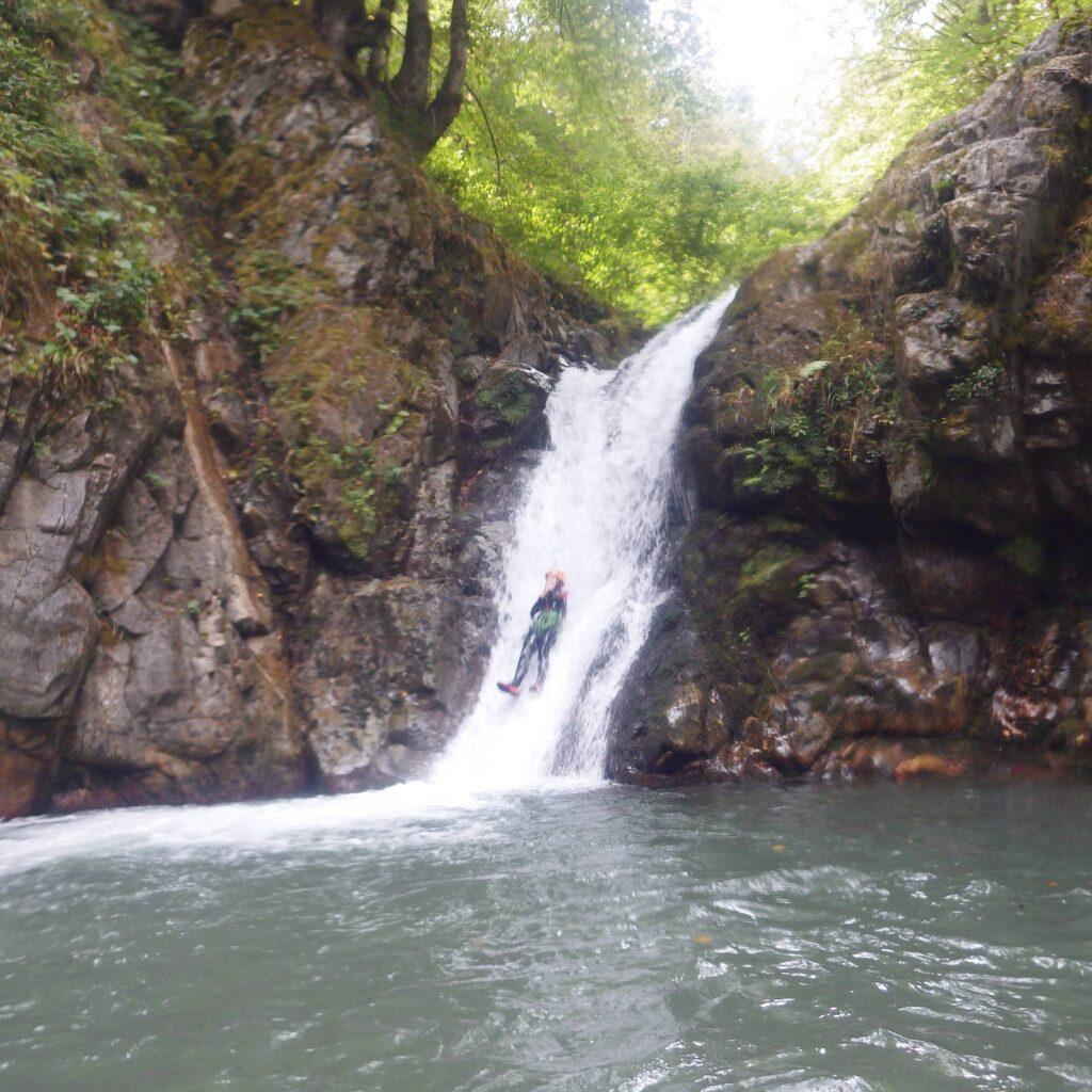Grand toboggan en canyoning, à deux heures du Pays Basque et des Landes