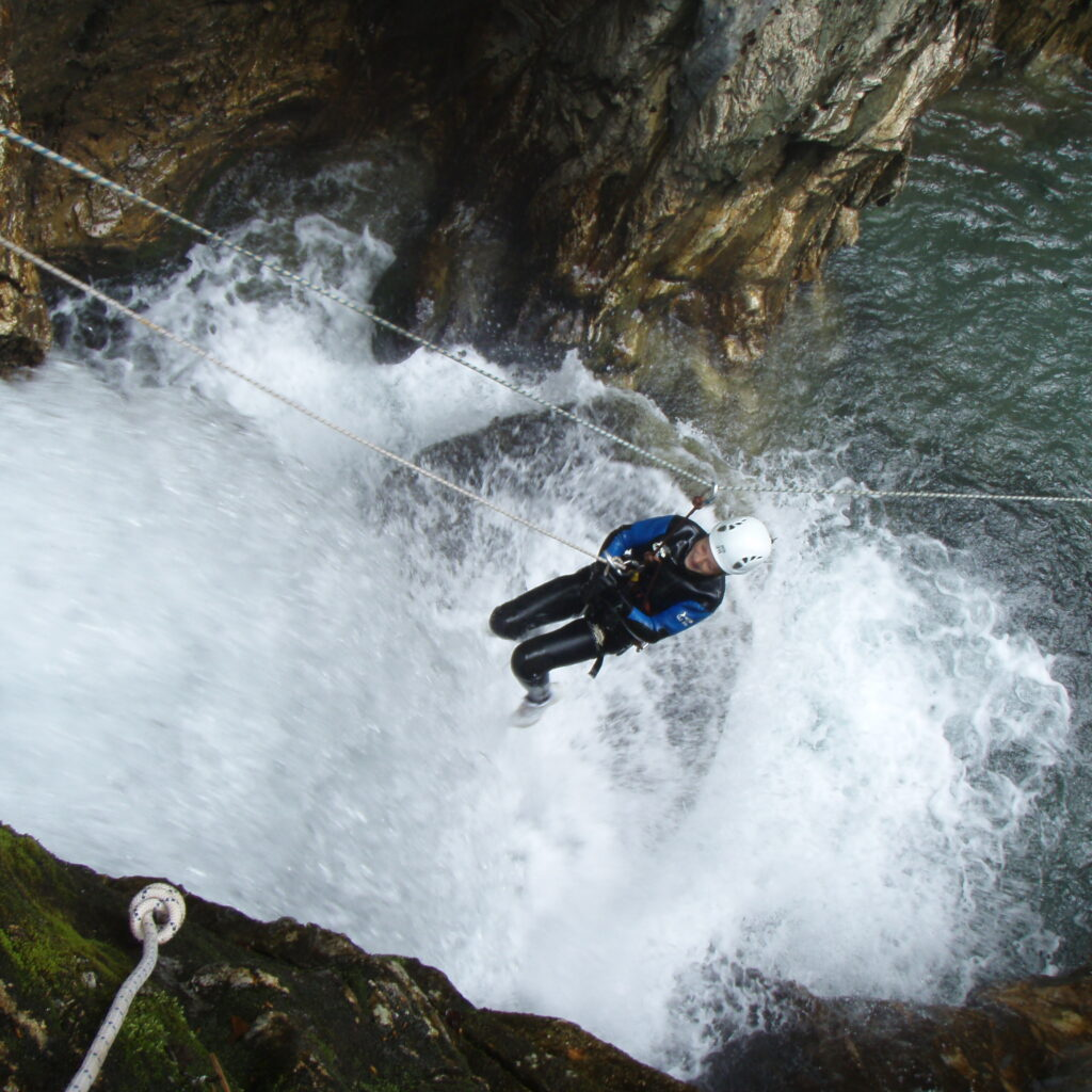 Tyrolienne en canyoning