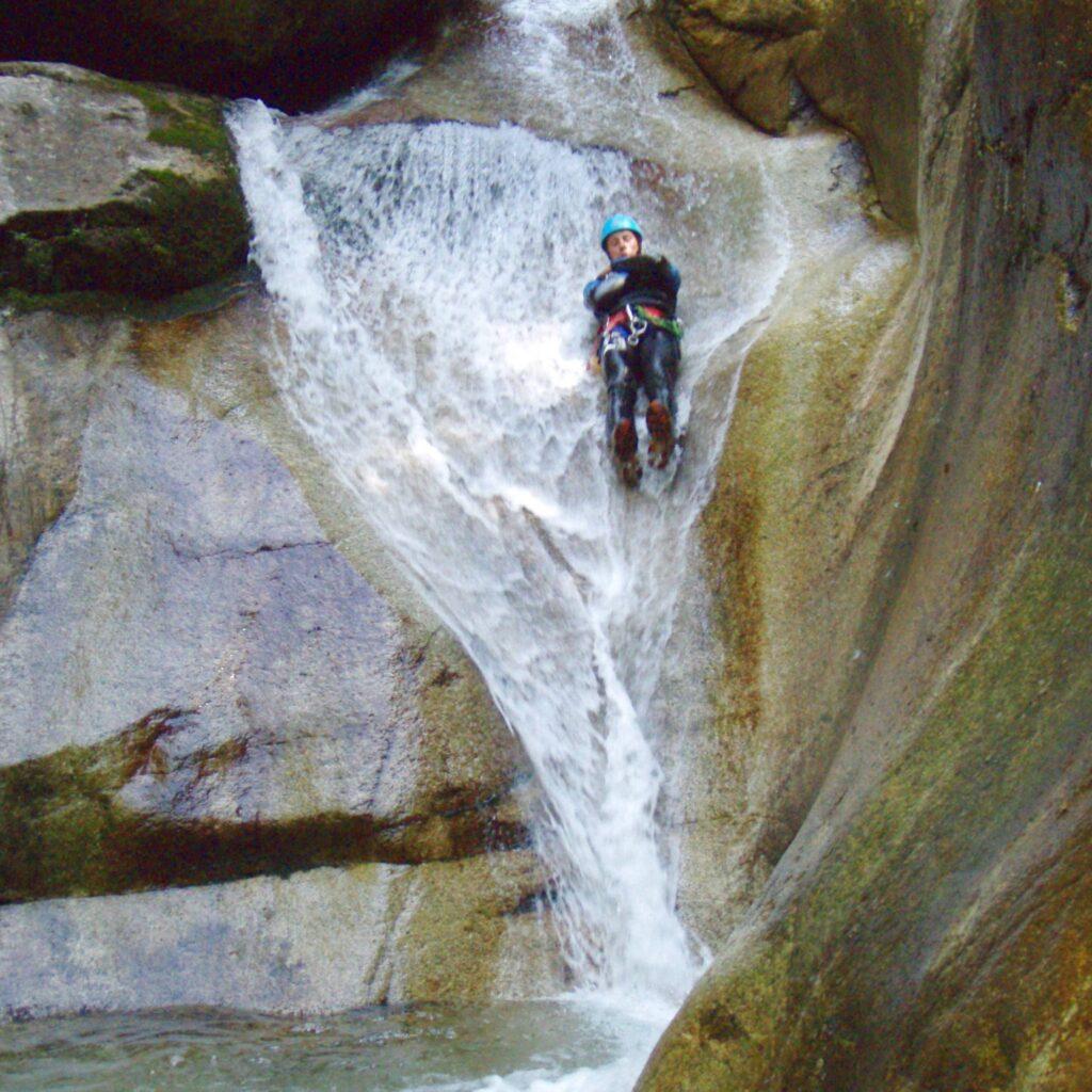 Glissade dans le canyon du Soussouéou